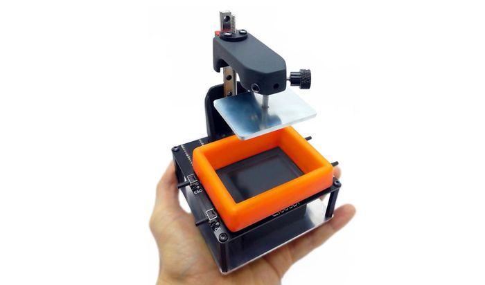 Уникальный 3Д принтер на ладошке