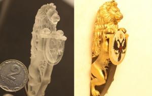 Фото слева - качественная печать с высокой детализацией. Справа - после художественной росписи.