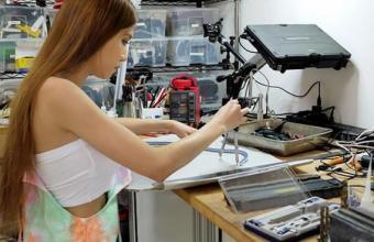 напечатала на 3Д принтере откровенное бикини